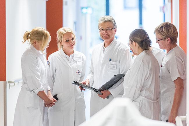 Werbefotograf-Medizin-Visite-Aerzte-Krankenhaus-Gruppe-Marienhospital-Vechta