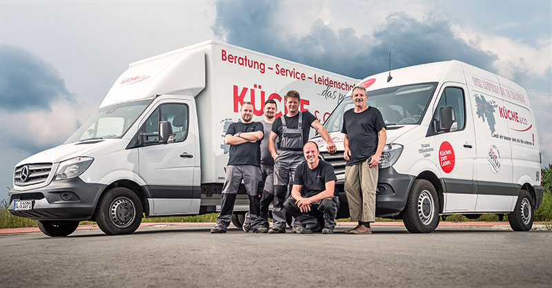 Werbefotografie-Wildeshausen-Lohne-Bremen-Kueche-Team-Gruppenaufnahme-Kuechenstudio